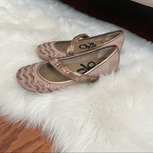 OTBT patrol women's Mary Jane shoes rose gold